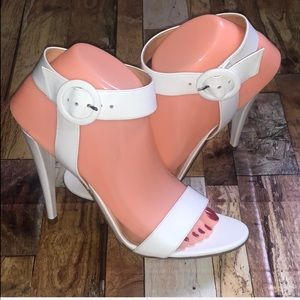 Gianvito Rossi White Sandals/Heels Size 39 1/2=8.5